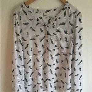 Merona feather pattern blouse
